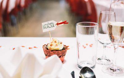 foodiesfeed.com_Wedding_15-osaueixuvudvc8w2godmnlsk48zuqpdiztwbgz7ves