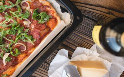foodiesfeed.com_homemade-pizza-osauejvp2of5nuupb6s983k0pmv7yeh9byjsy96h8k